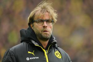 Dortmunds Trainer Jürgen Klopp blickt vor dem Spiel Borussia Dortmund - Borussia Mönchengladbach am 15.03.2014 in die Runde. Foto: Marius Becker/dpa