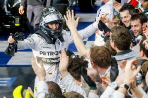 Nico Rosberg heißt der erste Sieger der neuen Formel-1-Saison.