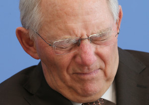 Finanzminister Wolfgang Schäuble will bei straflosen Selbstanzeigen künftig nicht mehr beide Augen zudrücken. Er kündigt strengere Regeln an